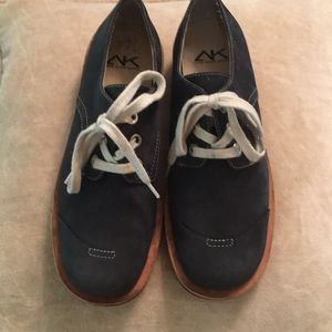 Navy suede Anne Klein sport oxford